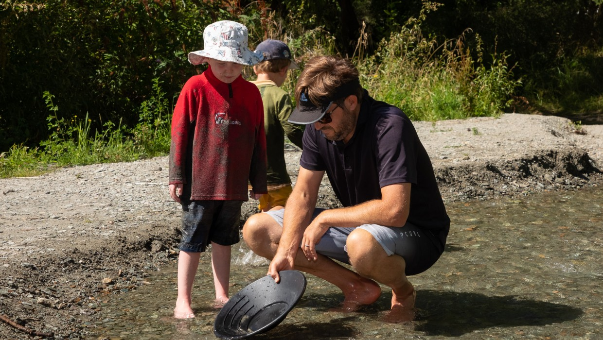 Gold Panning in Arrowtown